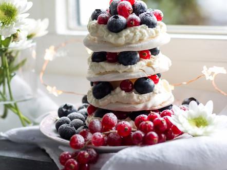 Meringue taartje met mascarpone crème en vers fruit