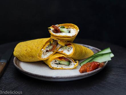 Tortilla gevuld met Hüttenkäse en kipfilet