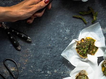 Ei muffins met groene aspergetips