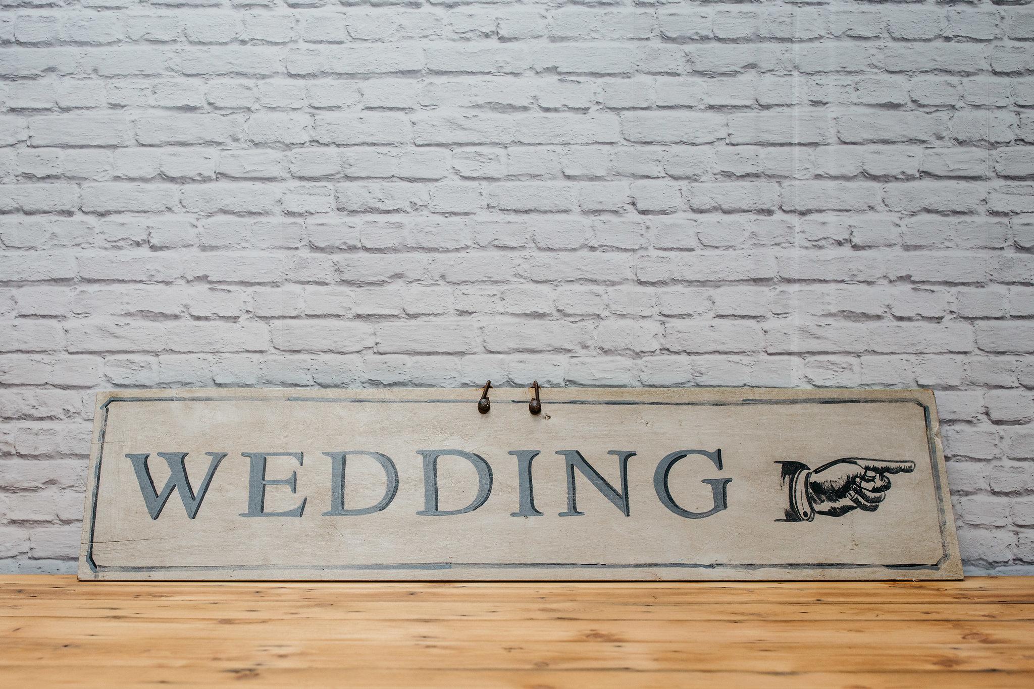 'Wedding' Sign