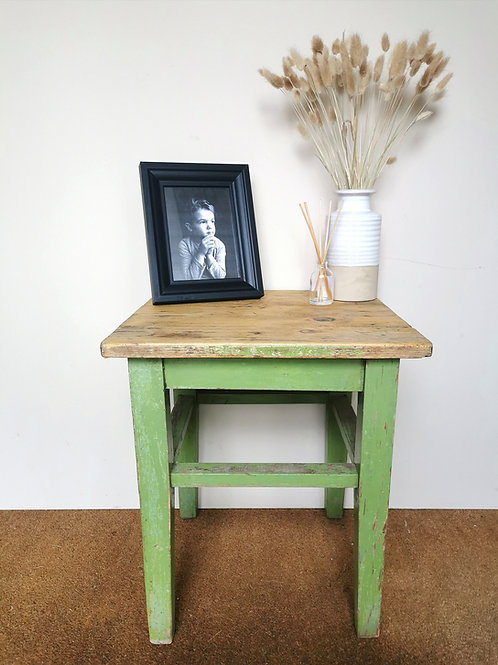 Vintage Side Table / Antique Small Table / Bedside Table / Occasional Table