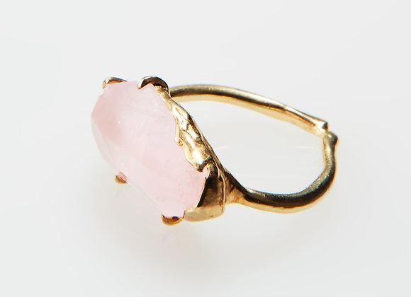 ローズクウォーツのリング Ring of rose quartz