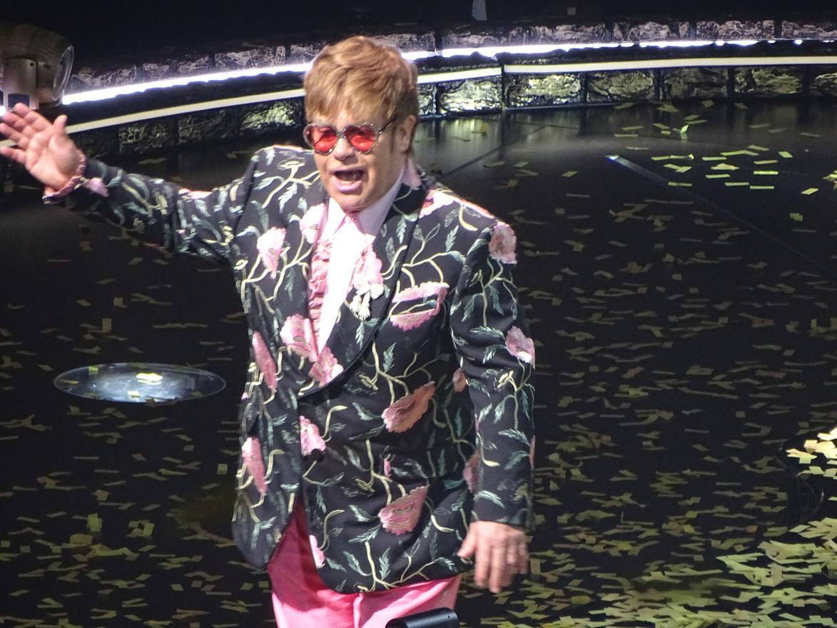 Elton Waving Goodbye