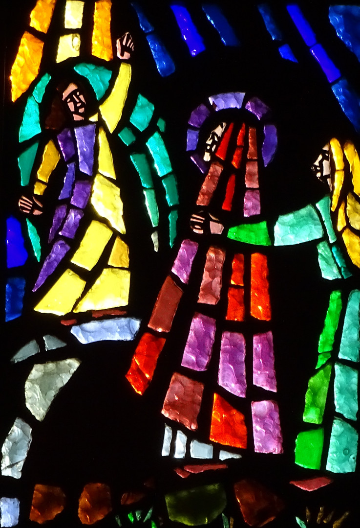 10_Scene_at_the_Empty_Tomb_stained_glass
