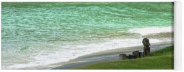 The-Lagoon-at-Laluna-Yoga-Mat-Island-Hop