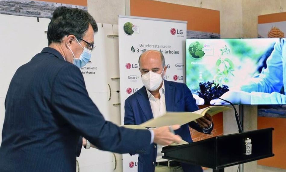 Murcia y LG reforestarán 450 hectáreas de zonas verdes