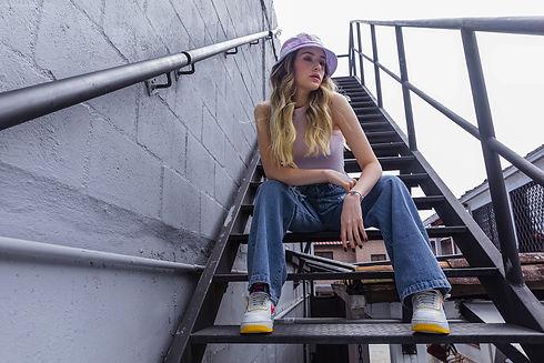 spiritual-jeans-moda-fondo-col1.jpg
