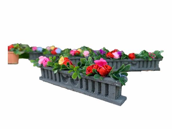 Flower boxes & Pots