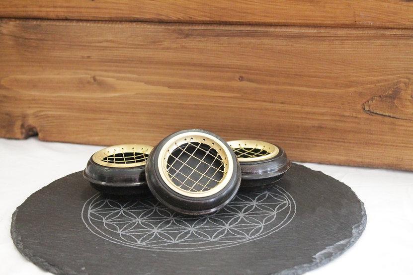 Räuchernetzgefäß aus Holz mit Eiseneinlage