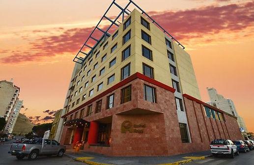 austral-plaza-hotel.jpg