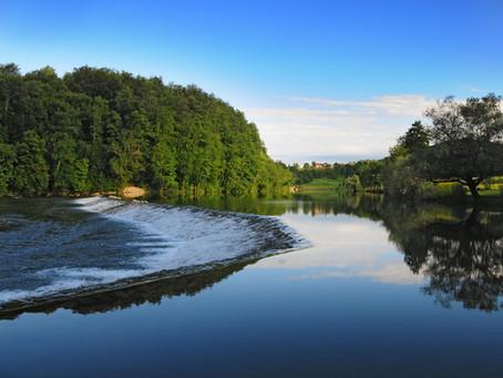 Bela krajina: zelena dežela v objemu reke Kolpe in čudovite naravne kulise