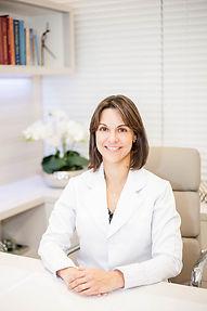 Juliana Delfino médico endocrinologista endocrino trata diabetes tireoide obesidade osteoporose brasilia clínica revigore
