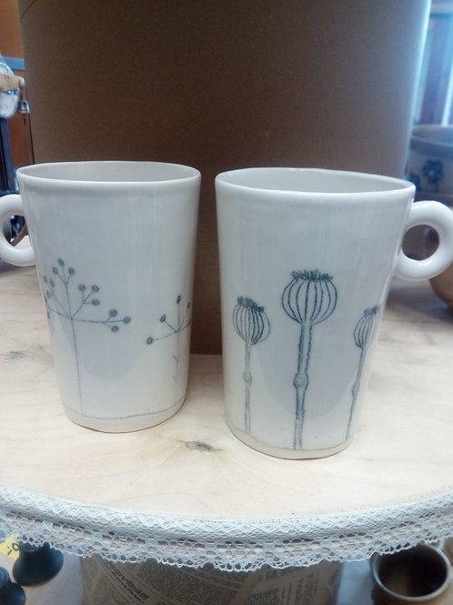Více porcelánu je nyní možné koupit v obchůdku v Deštném.