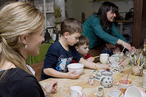 Keramický workshop v Ateliéru Zvonaře a Hrnčířky