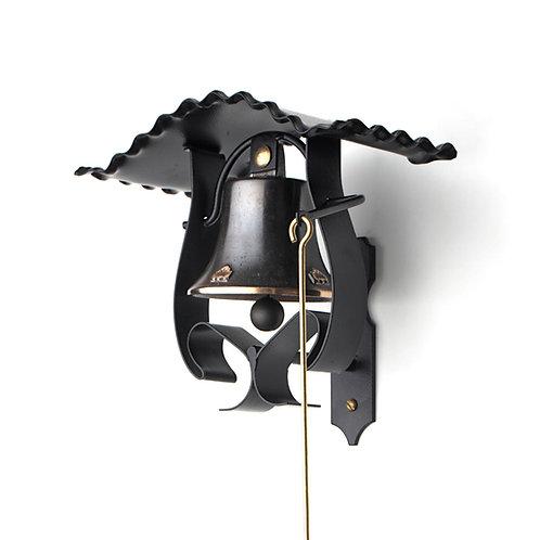 Zvonice kudrnatá s reliéfem