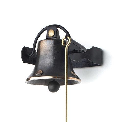 Zvonice jednoduchá s reliéfem