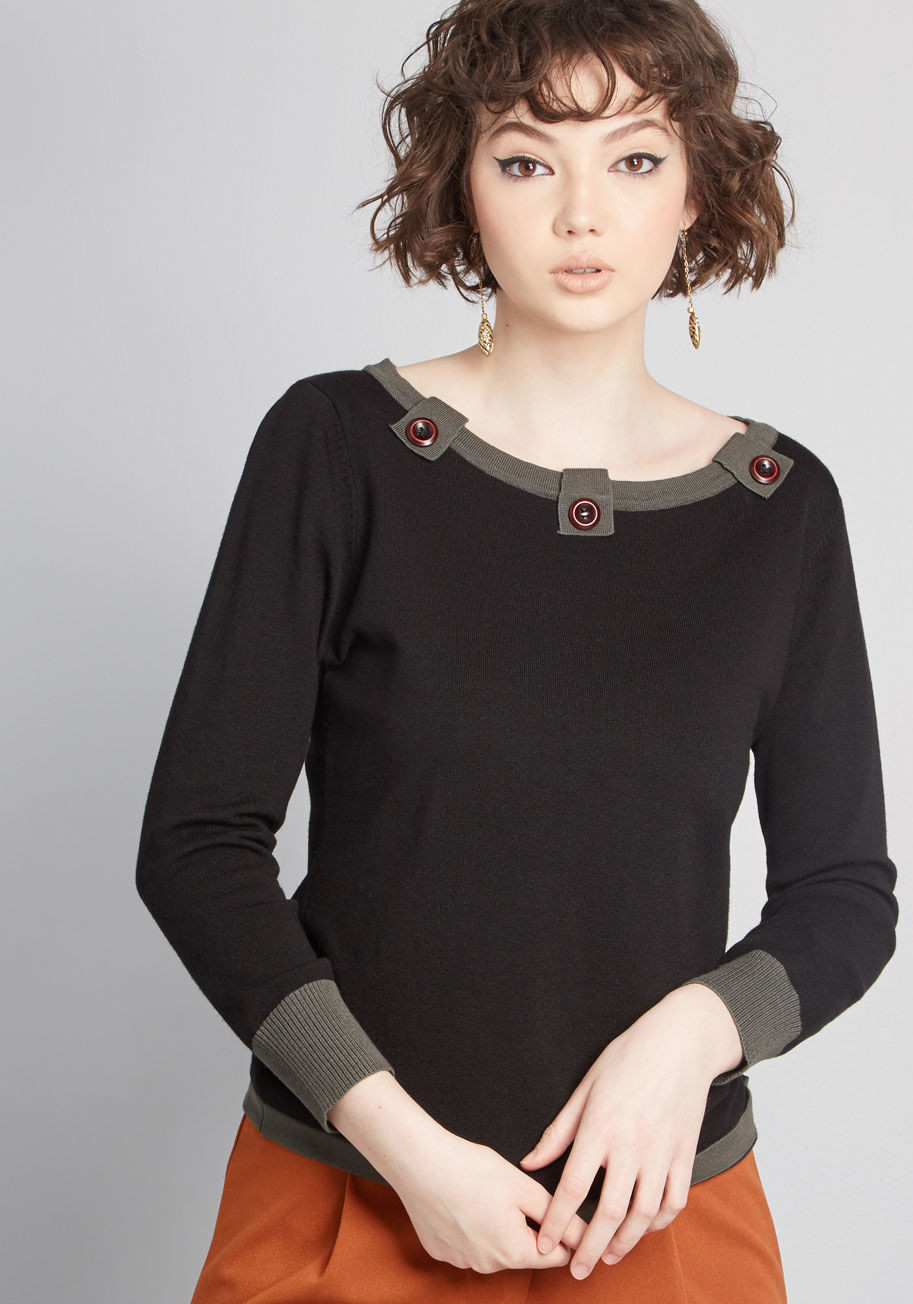 Grommeted sweater