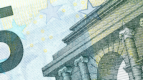 Digital Euro as International Currency