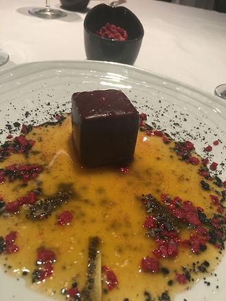 Arzak - Chocolate Cube w Mint & Passion