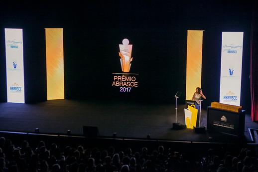 Luah_Galvão_MC_-_apresentadora_Prêmio_Ab
