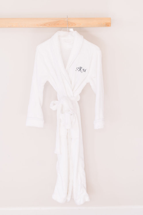 Women's White Embroidered Robe