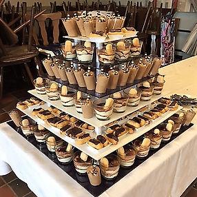 Dessert toren