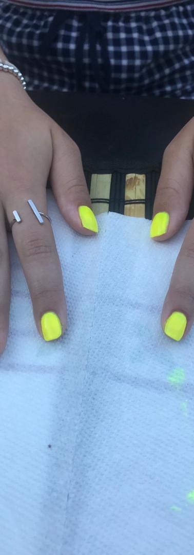 Mini manicures