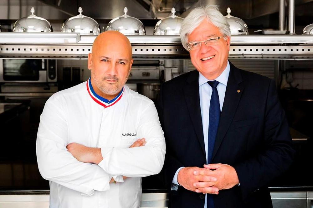 Le Chef Fréderic Anton et Monsieur Jean-Jacques Chauveau