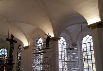 Montering_af_uplight_Helligåndkirken..j