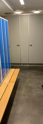 Garderoben mit Duschen