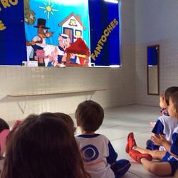 Teatro de Fantoches em sala de aula na Uirandê