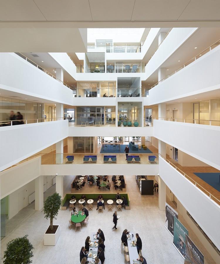 Picture from http://www.e-architect.co.uk/copenhagen/microsoft-offices-in-lyngby-denmark/attachment/microsoft-offices-in-lyngby-denmark-h071215-hc13