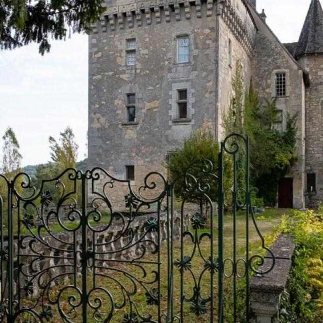 Art abstrait à Château l'Evêque en Périgord
