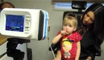 Examen visual en niño pequeño