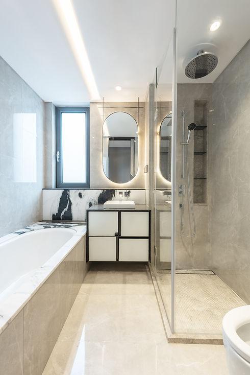 Modern city appartment marble bathroom.jpg