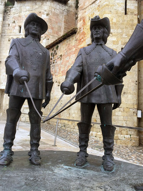 Condom musketeers