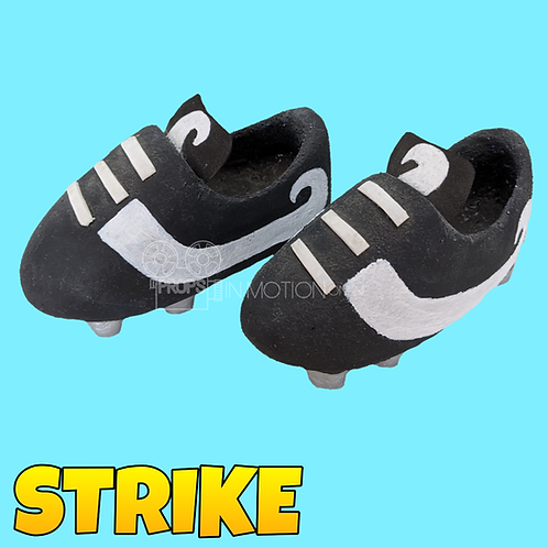 Strike (2018) Mungo Oversized Football Boots (S300)