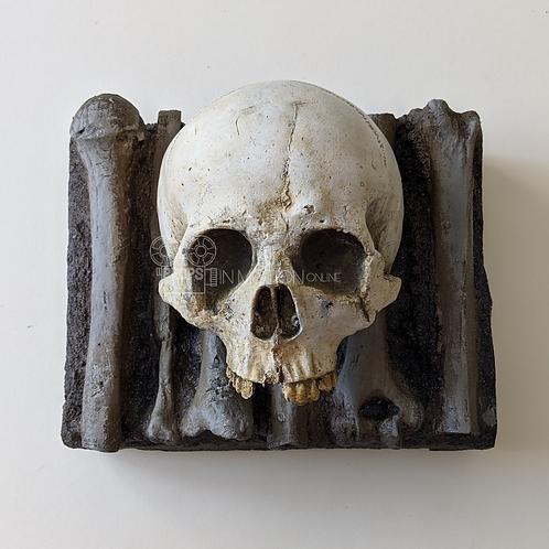 Cursed (TV) (2020) Temple of Calliech Skull and Bones (0509)