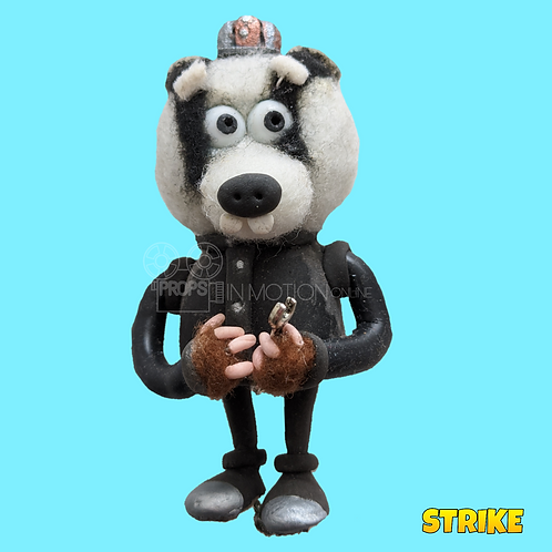 Strike (2018) Small Badger Miner with tool (S197)