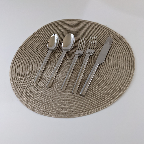 The Haunting of Bly Manor (2020) Placement and Cutlery (BM10)