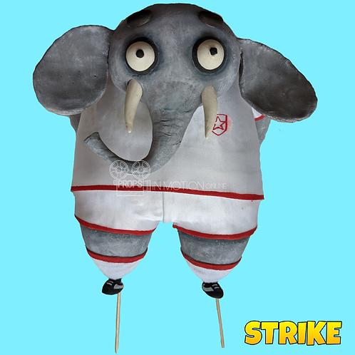 Strike (2018) Elephant England Football Player (S180)