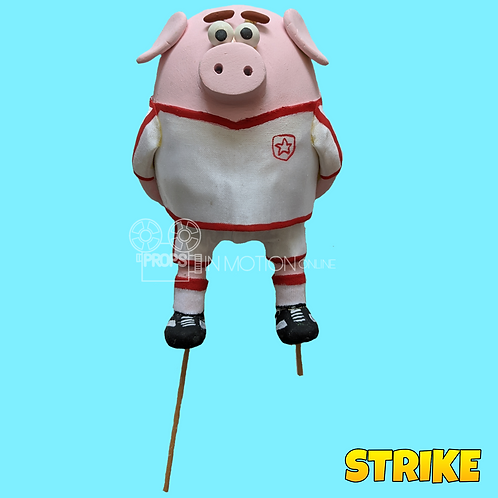 Strike (2018) Pig England Football Player (S183)