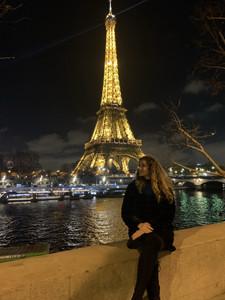 Admiring the Tour Eiffel