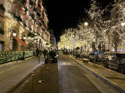 Walking on Avenue Montaigne