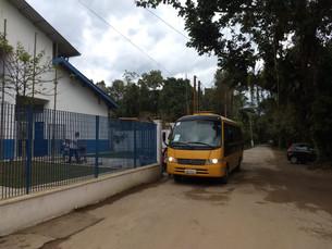 Descaso da Prefeitura com transporte escolar prejudica novamente os alunos do norte de Ubatuba