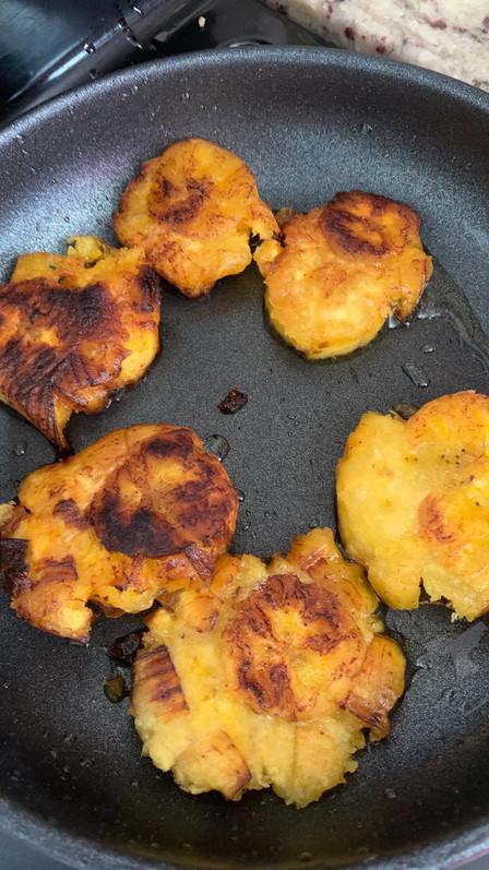 Tostones, cocina en casita