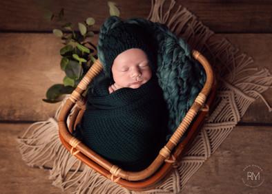 Rosio-best-newborn-photography-toronto-2