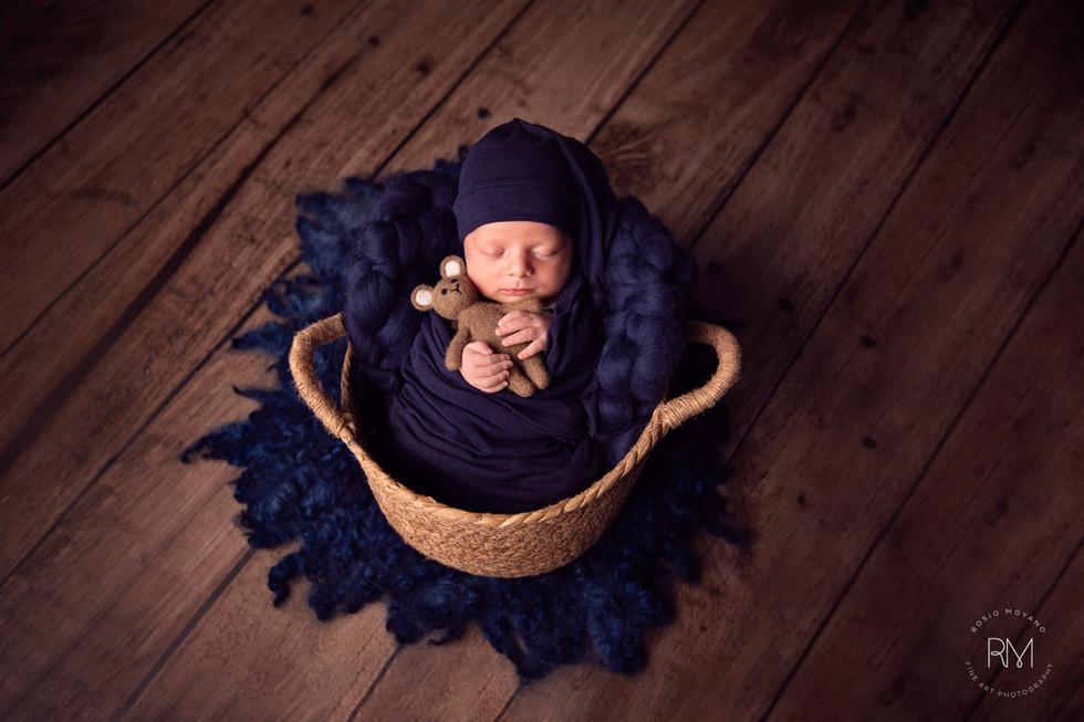 Rosio-best-newborn-photography-toronto-7