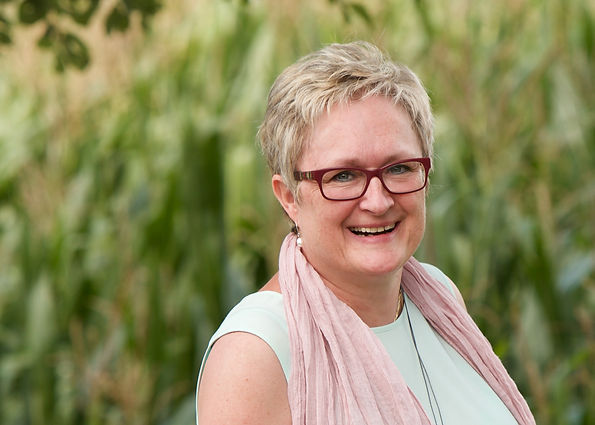 Anne Versmessen - Encaustic Art Coach