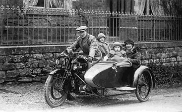 1920 family transport.jpg